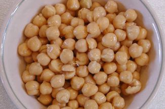 9df13d90-fdfe-44c7-902d-ddb35f3701fe.i-chickpeas-can